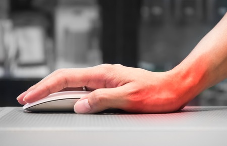 Douleur au poignet au bureau